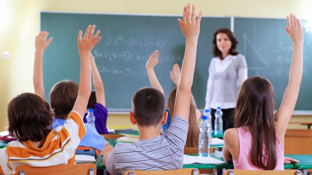 Polêmico, currículo do ensino médio será entregue nesta terça