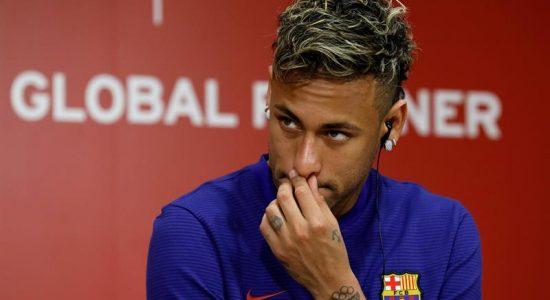 Neymar também desistiu de retornar ao Barcelona por enquanto