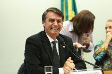 Jair Bolsonaro aparece liderando primeiro turno
