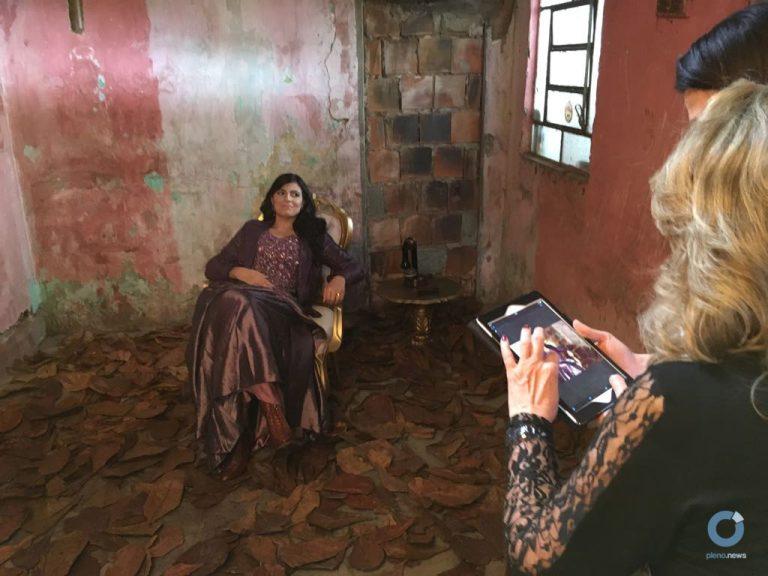 Fernanda Brum faz sessão de fotos para novo CD Fernanda Brum faz sessão de fotos para novo CD