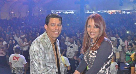 Pr. Anderson do Carmo e sua esposa, Flordelis