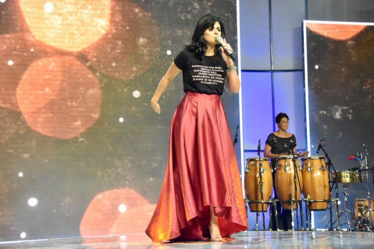 Fernanda Brum lança o CD Som da Minha Vida