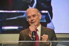 Deputado Arolde de Oliveira no culto mensal da Rádio 93FM na Comunidade Evangélica da Zona Sul em Campo Grande