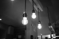 Aneel prorroga proibição de corte de luz até o final do ano