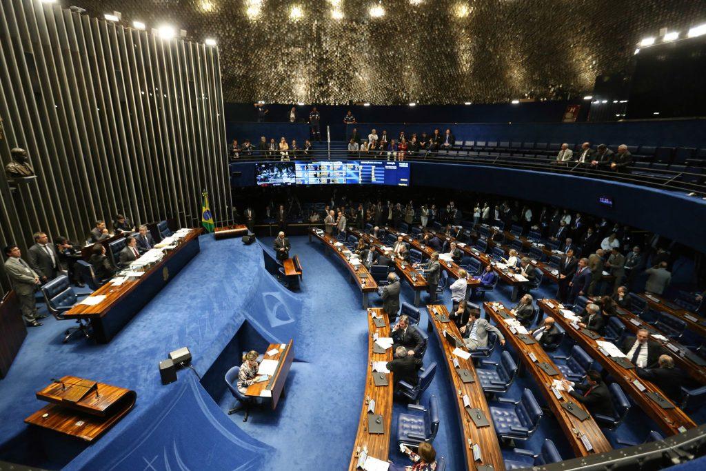 Passa no Senado voto distrital misto para eleições de deputados e vereadores