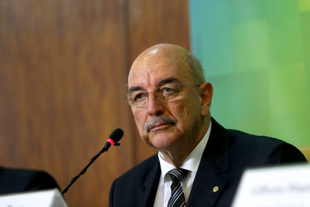 Bolsa Família terá aumento acima da inflação em 2018, diz ministro