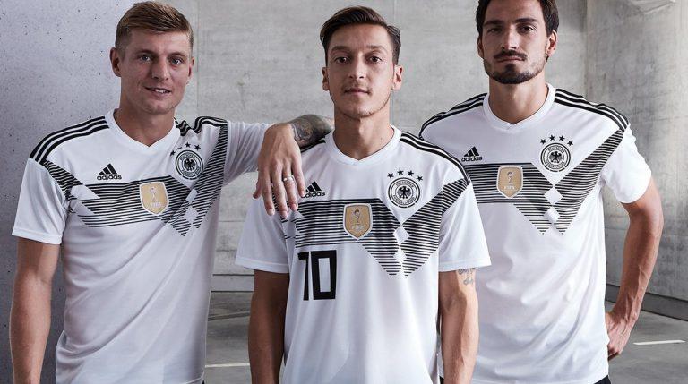 0fc6c26143 Confira os novos uniformes de 11 seleções para Copa de 2018 ...