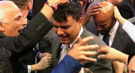 Guilherme é consagrado pastor