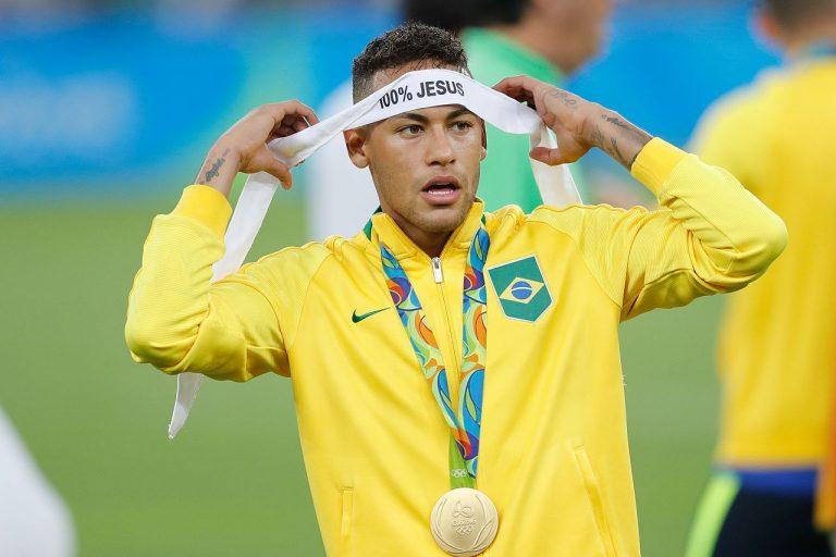 Atacante Neymar
