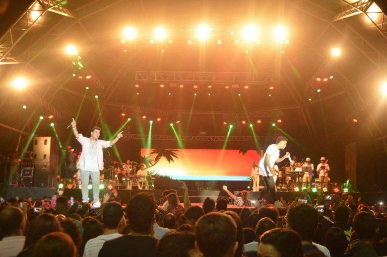 Thiago Makie gravou DVD na praia de Marataízes