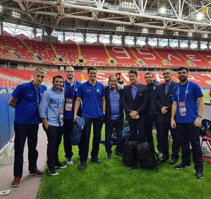 Com a equipe da TV Globo durante a Copa das Confederações