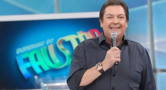 Fausto Silva negou que tenha chamado Jair Bolsonaro de imbecil