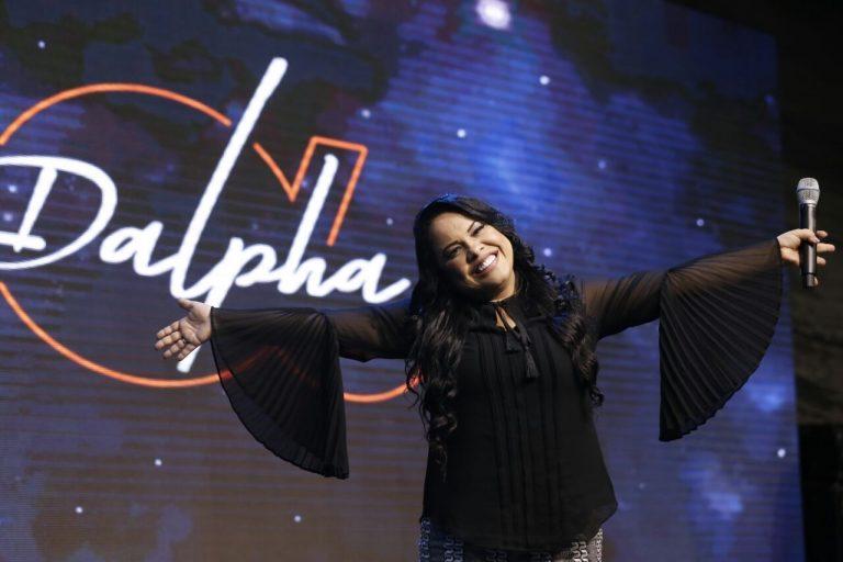 Cassiane conquista Grammy Latino com Nível do Céu
