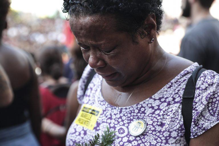 Centenas de pessoas foram à Câmara do Rio para os velórios de Marielle e Anderson