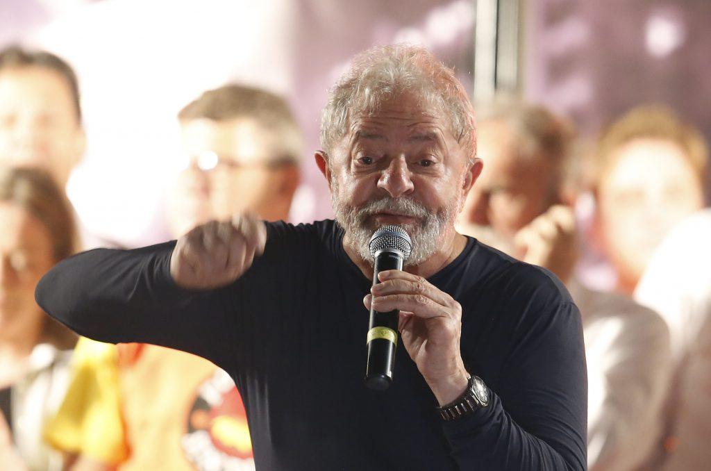 Fundador do PSDB faz parecer em apoio a Lula