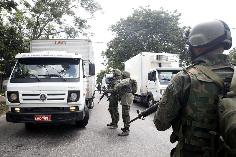 No Rio, Bope é inspecionado pelas Forças Armadas