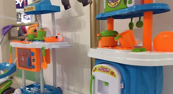 Brinquedos mudam de cor para apagar gênero