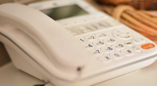 Projeto aprovado no Senado quer limitar ligações de telemarketing