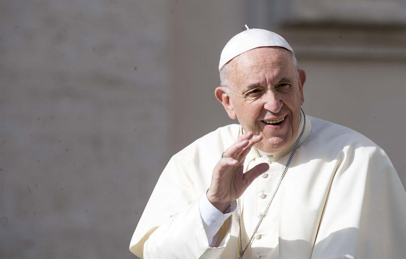 Resultado de imagem para fotos da papa francisco na letonia