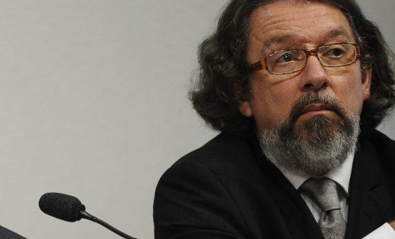 Partido político quer desistir de ação que pode tirar Lula da cadeia