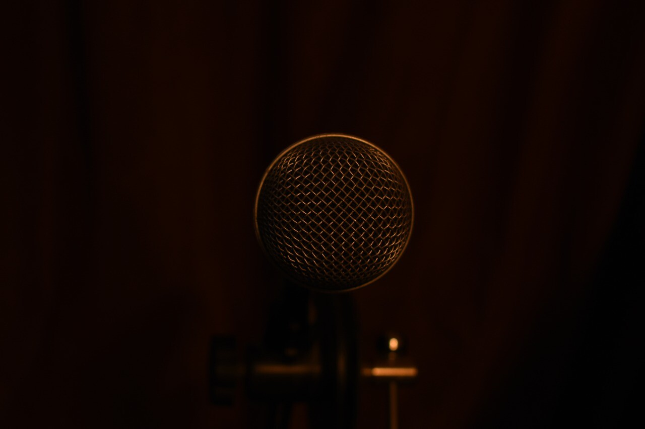 microphone-3189726_1280