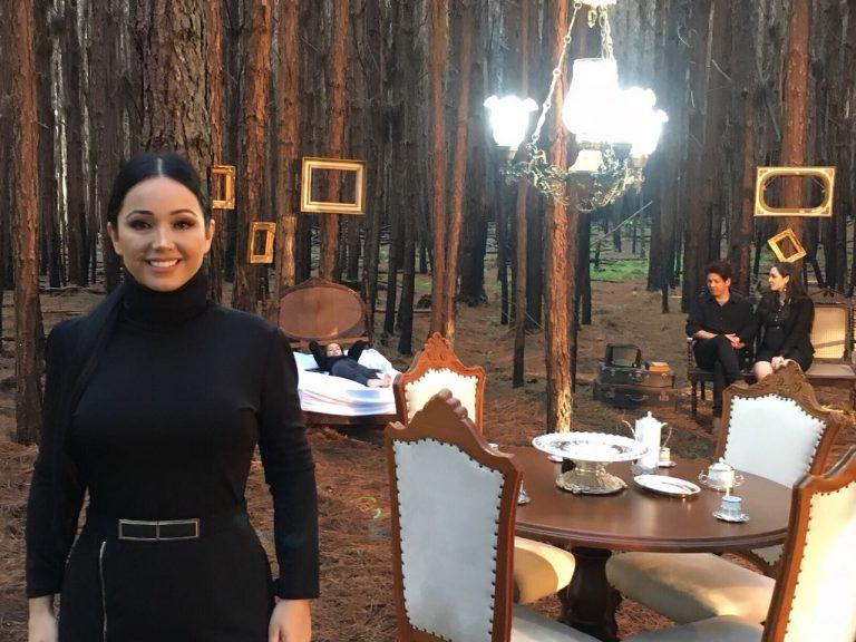 Ariely Bonatti lança clipe Na Casa Tem Vida