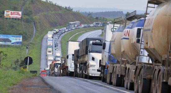 Confederação Nacional libera caminhoneiros para manifestações de 7 de setembro