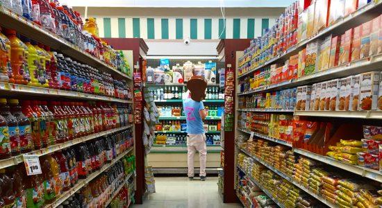 Suécia diz a população que comece a estocar alimentos em casa