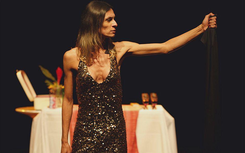 Pernambuco cancela exibição de peça com Jesus transexual