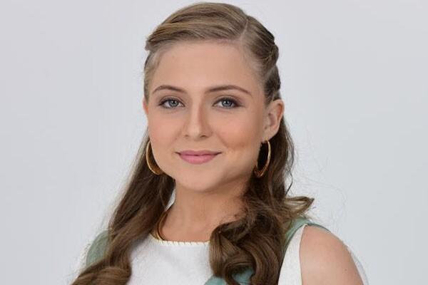 Júlia Maggessi - Helena
