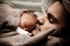 Estudos mostraram que homens podem ter depressão após a chegada de um filho