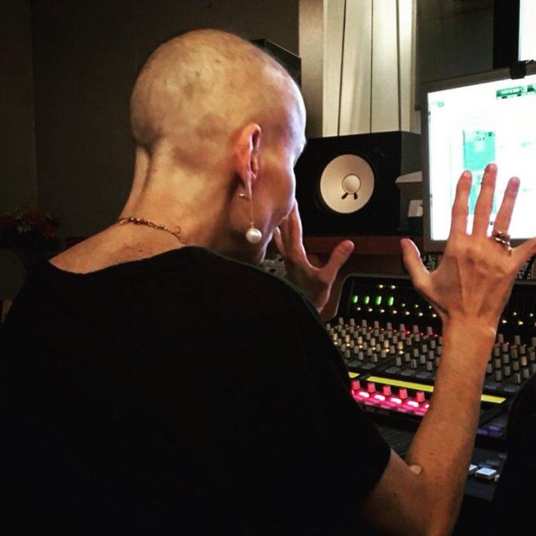 Ludmila em estúdio pra o novo projeto