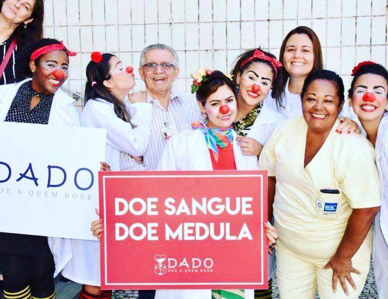 Michelle de Paula Bolsonaro na ONG Trupe Miolo Mole