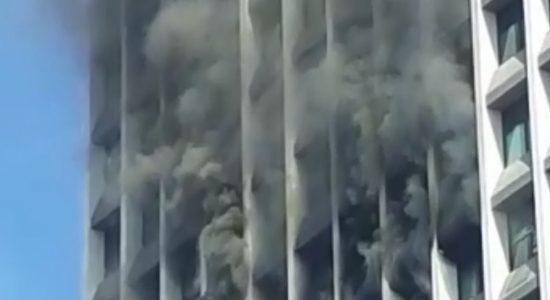 Prédio na Barra da Tijuca foi atingido por incêndio