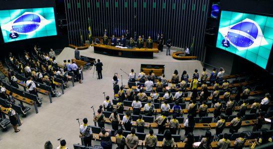 Desbravadores ganham homenagem na Câmara dos Deputados