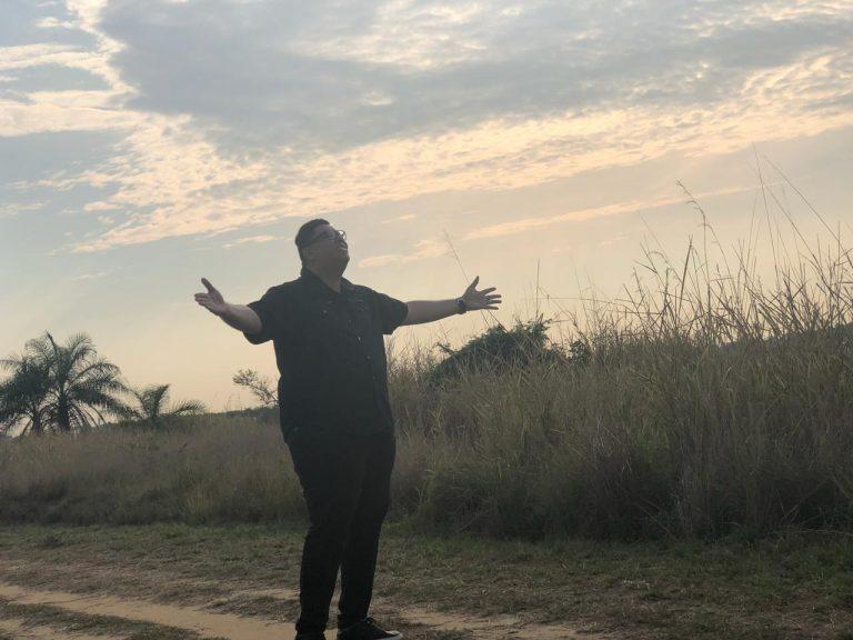 Anderson Freire grava clipe de Contagem Regressiva
