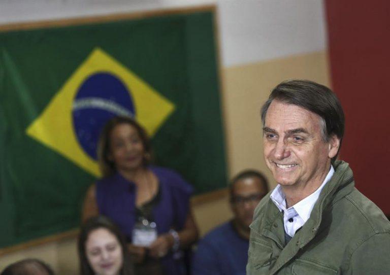 Bolsonaro vota no segundo turno