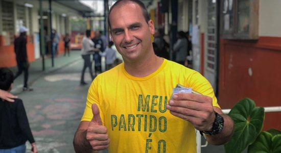 Eduardo Bolsonaro consegue feito histórico