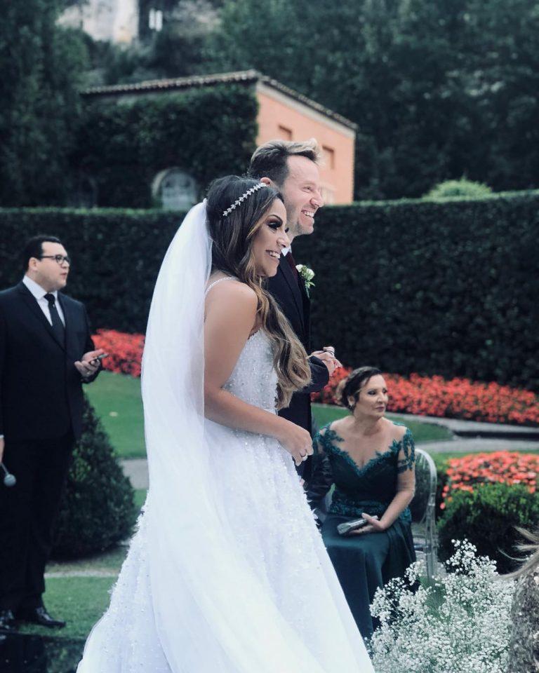 Gabriela Rocha e Leandro Moreira se casam em hotel cinco estrelas na Itália