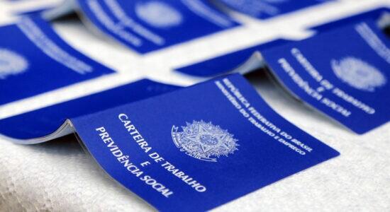 Brasil criou mais de 300 mil empregos em julho