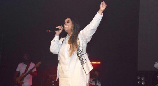 Michelle Nascimento consagra seu novo CD, Assim na Terra como no Céu