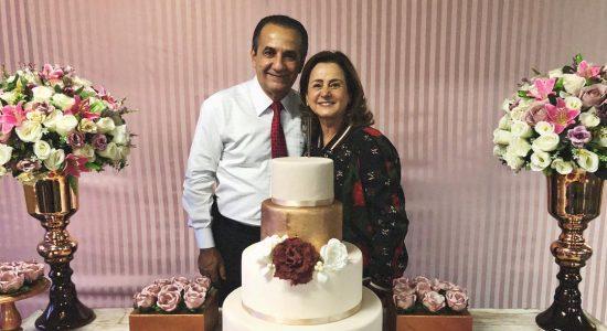 Elizete Malafaia, esposa do pastor Silas, recebe festa de aniversário surpresa