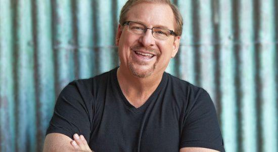 O pastor Rick Warren