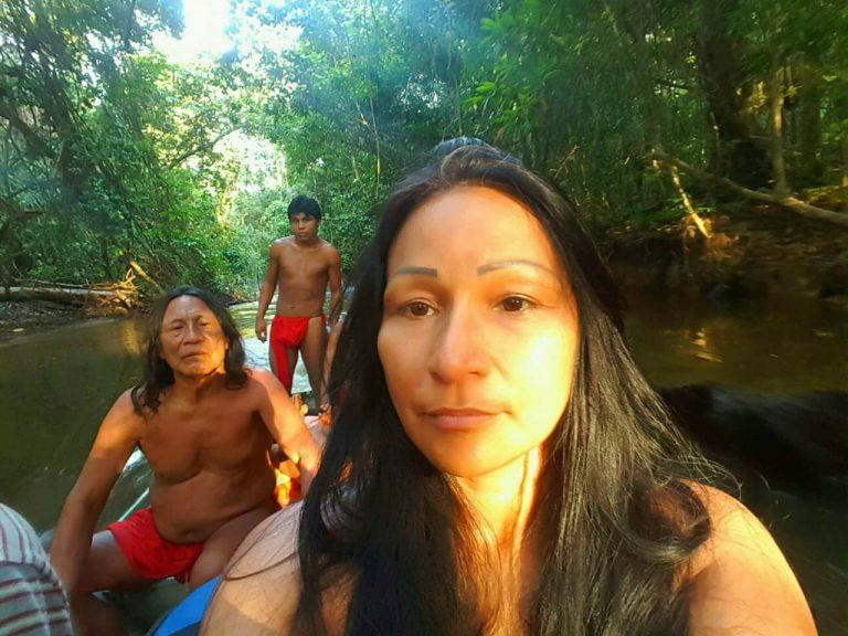 Conheça Sílvia Nobre Waiãpi, índia convocada por Bolsonaro
