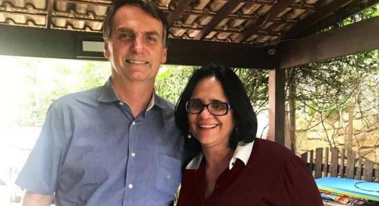 O presidente eleito Jair Bolsonaro e a futura ministra Damares Alves