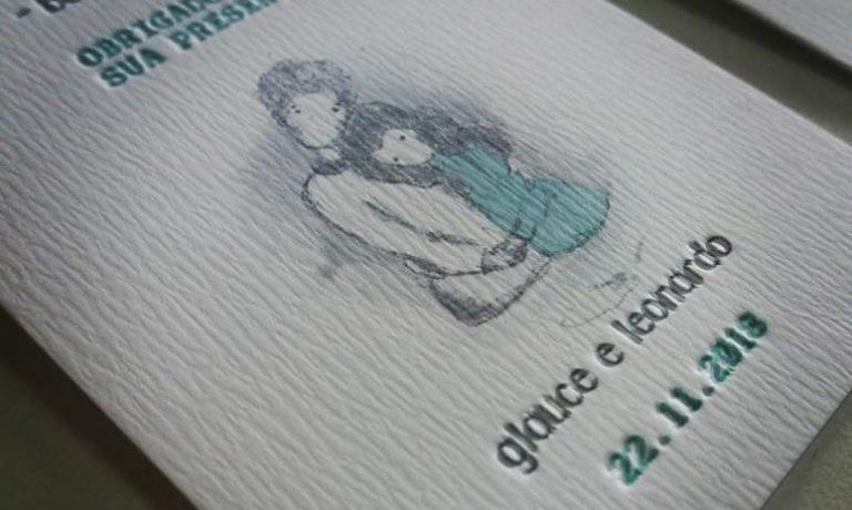 Convites do casamento tem arte feita pela noiva