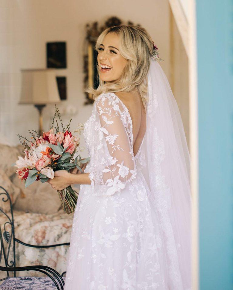 Luiza Azevedo caprichou no véu para seu casamento com o pastor Victor Azevedo
