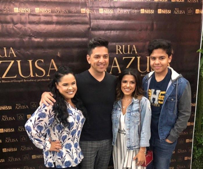 Cassiane com a família
