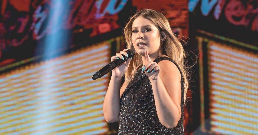 Marília Mendonça Se Emociona Ao Cantar Música Gospel Comportamento Pleno News