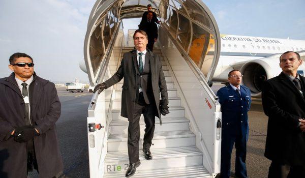Presidente da República, Jair Bolsonaro, durante chegada à Suíça